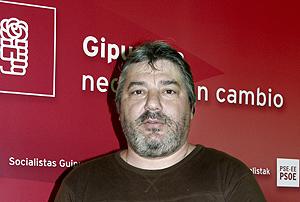 Isa�as Carrasco, en un acto del PSE en Guipúzcoa, en 2004. (Foto: AP)