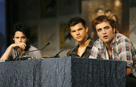 Los protagonistas de 'Crepúsculo' en la Comic Con de San Diego en julio. | Reuters