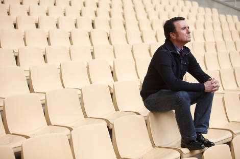 Ortega Cano, durante una sesión de fotos en el estadio de la Cartuja. | Conchitina
