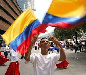 Manifestantes en Medellín contra el aborto