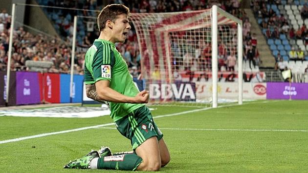 Mina celebra un gol con el Celta