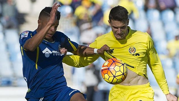 Adrián Marín jugando frente al Getafe