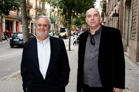 Manuel Gutiérrez Aragón (izq) junto al finalista, Juan Francisco Ferré. | Antonio Moreno