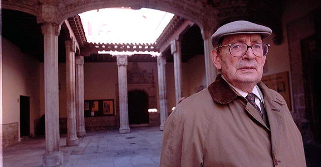 El escritor Miguel Delibes, en su casa de Valladolid. | Carlos Miralles