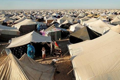 Vista general del campo de desplazados saharauis instalado cerca de El Aaiún.   Efe