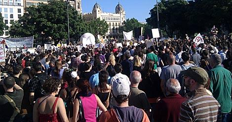 Foto de la concentración de Barcelona subida por otro 'tuitero'.