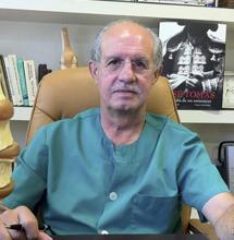 El doctor José González. | A. Rojas
