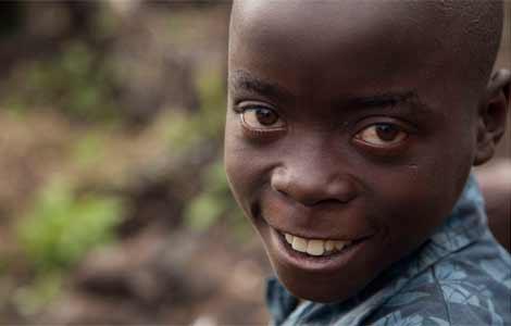 Anicet, de 10 años, fue separado de sus padres y ha conseguido encontrarlos. | Colin Crowley