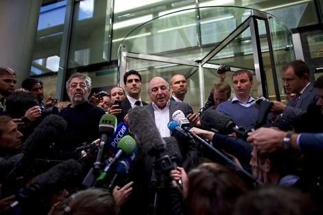 Boris Berezovski, tras un juicio contra su ex socio Roman Abramovich en Londres. | Afp