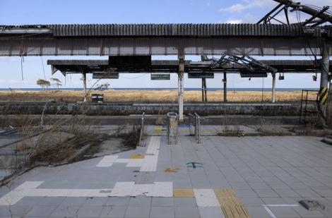 Estación de tren abandonada en la localidad de Tomioka. |Efe