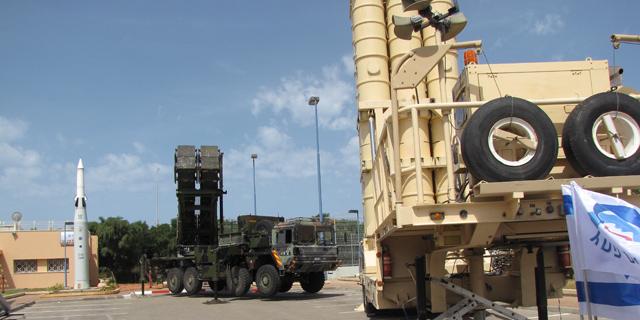 Sistemas defensivos israelíes dispuestos ante un posible ataque. | S. E.