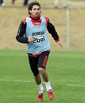 Escudé se entrena con el Sevilla