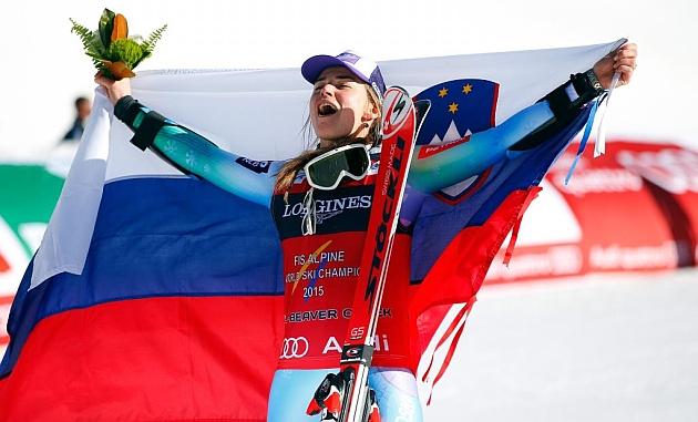 Tina Maze celebra su segundo oro. Foto: AFP