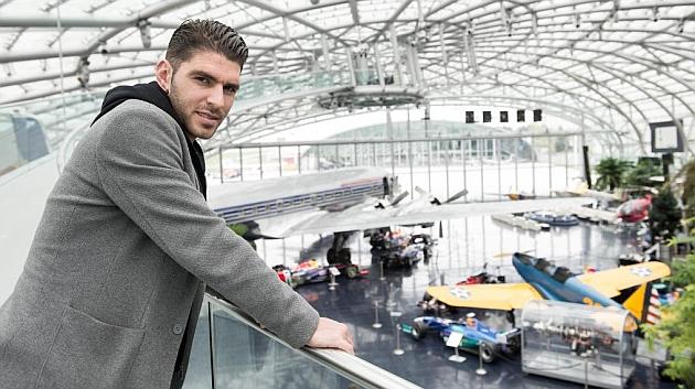 Jonathan Soriano pos para MARCA en Salzburgo.