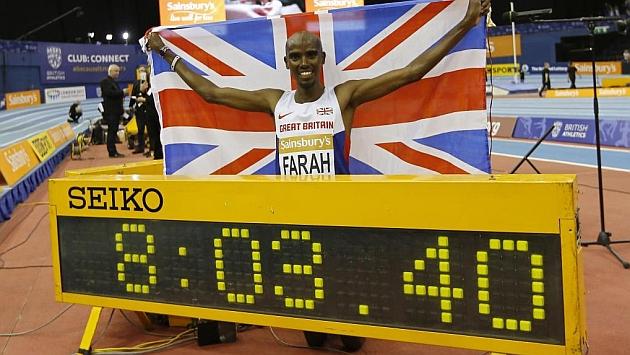 Mo Farah, tras batir el récord de las dos millas. / AFP