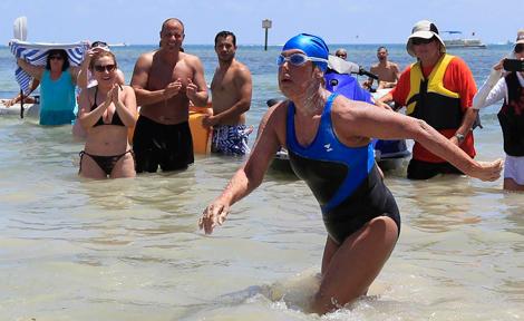 Nyad a su llegada a Key West. | Reuters
