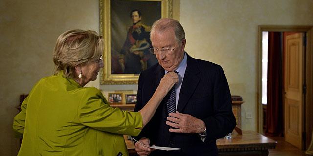 Alberto II de Bélgica y la reina Paola, antes de pronunciar su discurso de este miércoles. | AFP