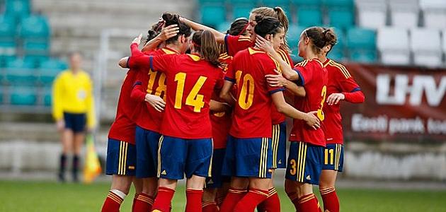 El equipo español celebra uno de los goles ante Estonia / Sefutrbol.com