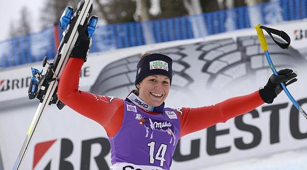 Fanchini vence en el descenso de Cortina