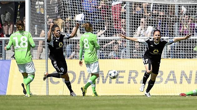 Vero Boquete celebra un gol ante el Wolfsburgo en Liga / Getty Images