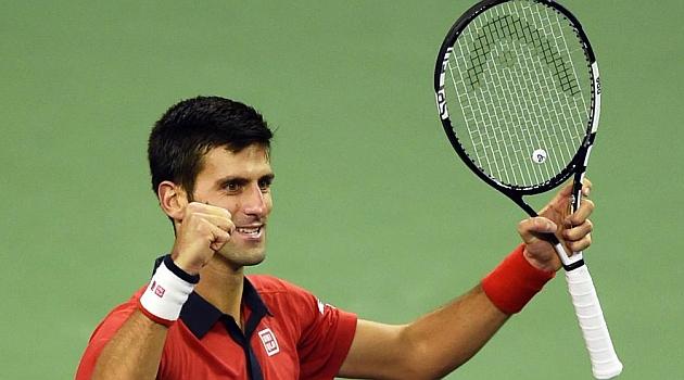 Djokovic celebra el título en Shangái