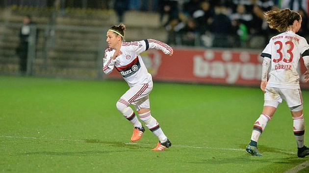 Vero Boquete en su primera aparición con la camiseta del Bayern Münich.