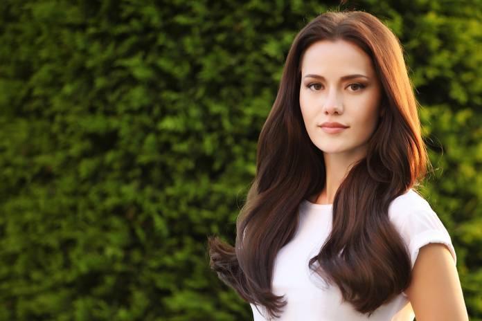 Las 30 mujeres más bellas del mundo, Fahriye Evcen