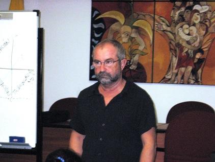 Juan Luis en plena conferencia
