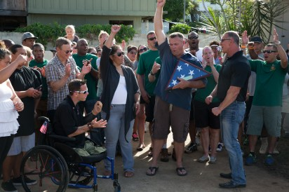 Gary Sinise, Staff Sergeant Tony Woods and his wife Joedi, Robert Irvine...