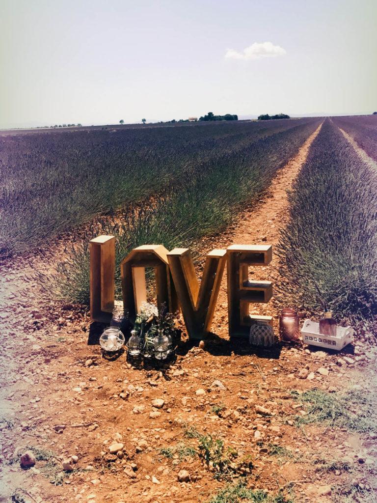 lettres-lumineuses-love-geantes