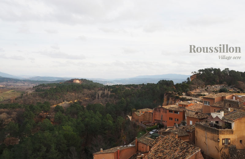 Vue sur les carrières d'extraction d'ocre depuis Roussillon