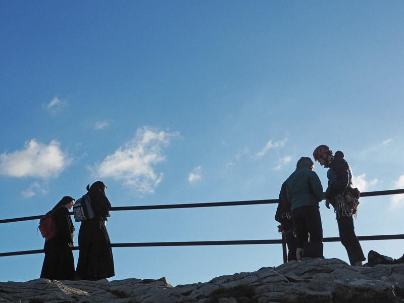 Les sœurs et les grimpeurs, route de crêtes