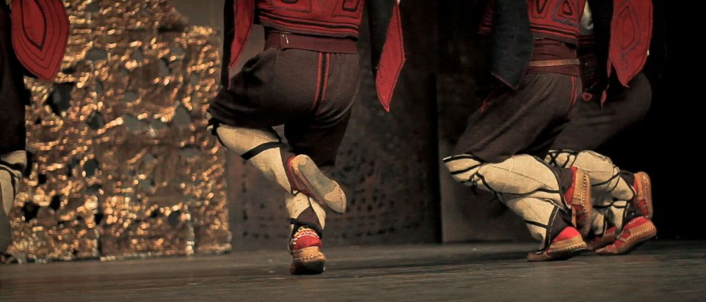Danseurs de Horo (danse traditionnelle) à Bitola © Arnaud Lanouiller