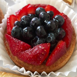 Fresh Fruits Pie