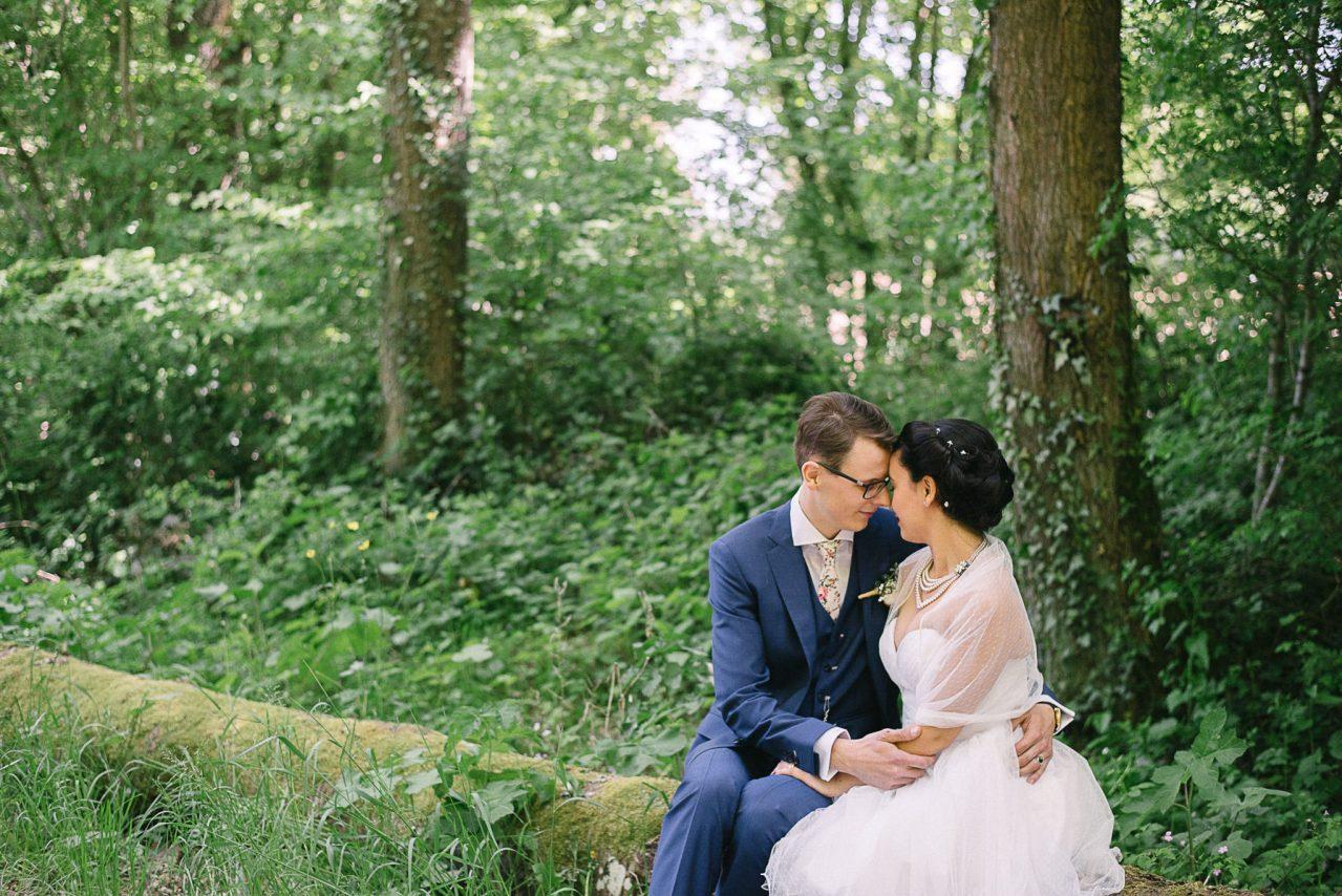 Les photos de couples dan la forêt environnante