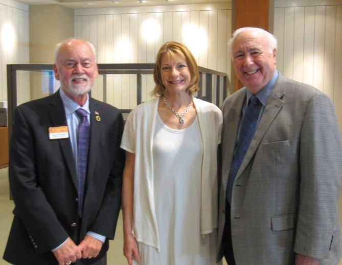 Estero Chamber of Commerce Chairman of the Board Gene Montenieri, LMHS Project Director Suzanne Bradach and Village of Estero Mayor Nick Batos participated in the LMHS Healthy Life Center ribbon-cutting event on December 12, 2015.
