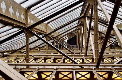 Sous les toits