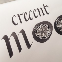 Crescent moon zentangle caligrafia
