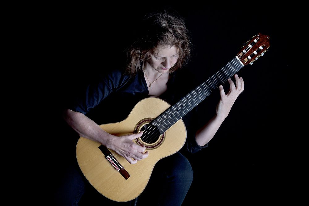 ESTHER Steenbergen Guitar-Photo Erik Veld Megavolt-1000-4417
