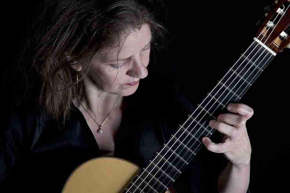 Esther Steenbergen Guitar_Photo Erik Veld
