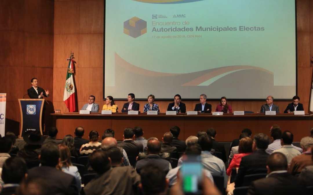 Alejandro Navarro y alcaldes electos del País analizan fondos federales para Municipios