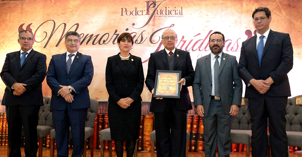Rinde Poder Judicial homenaje a Miguel Valadez, leyenda en materia penal