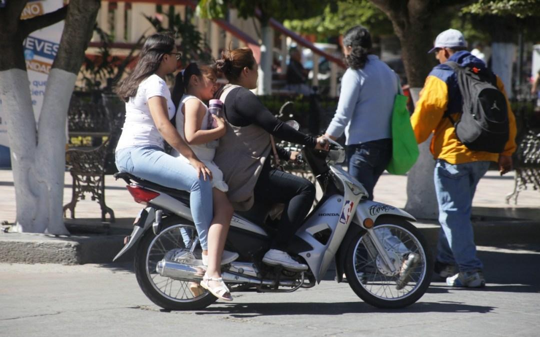 Mejor ponte el casco: más de mil pesos por no usarlo