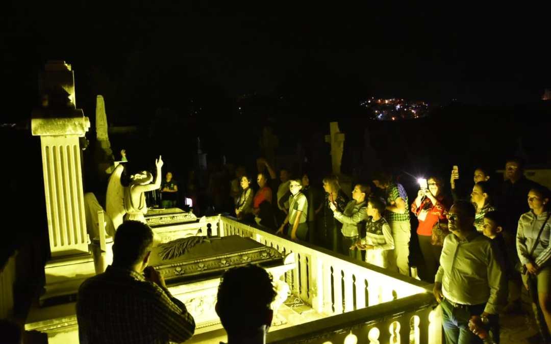 ¡Rompen récord!: asisten mil 500 personas a visitas nocturnas