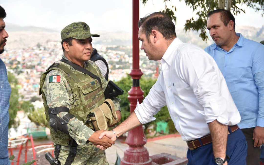 Supervisa Navarro avances de la base militar