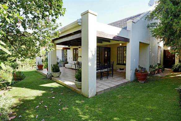 Patio House - 3 Bedroom Cluster Home in Lonehill, Fourways, Johannesburg - South Africa - On Sale: R 2 799 000