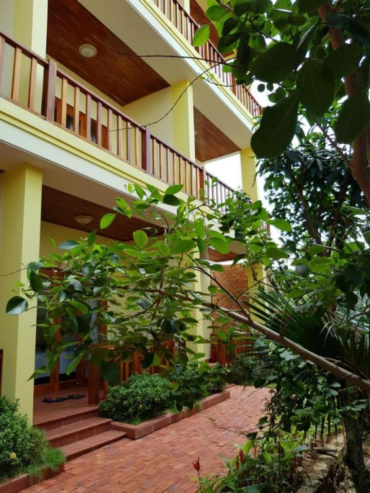 Free Beach Resort Block 7 Tran Hung Dao Phu Quoc Island Vietnam (1)