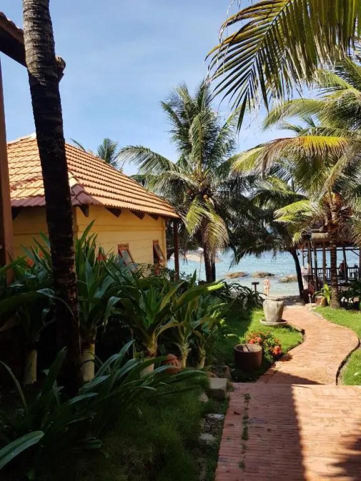 Free Beach Resort Block 7 Tran Hung Dao Phu Quoc Island Vietnam (2)