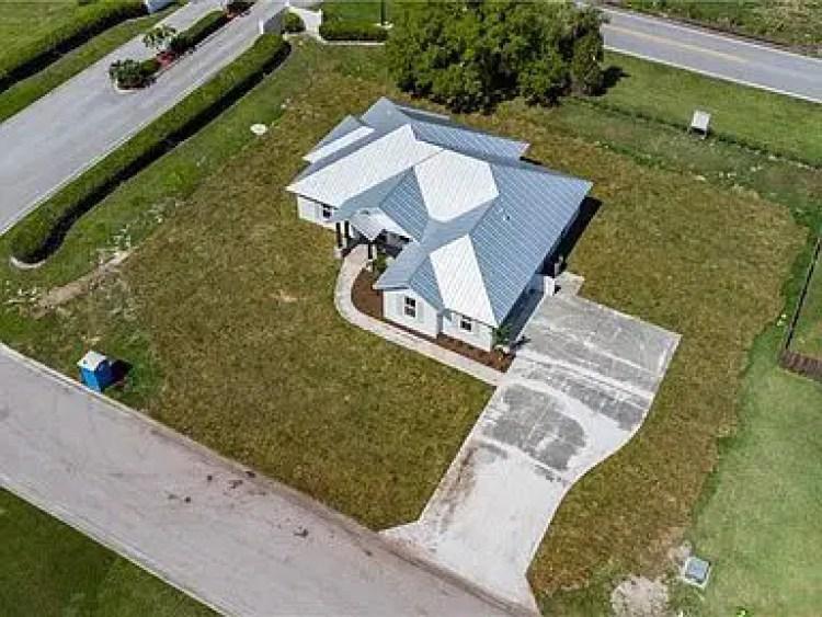 Newly Built 4 Bedroom House on 2405 SW 33rd Cir Okeechobee Florida 34974 Price 380000 USD (1)