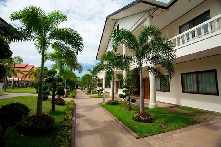 Thai Garden Resort Pattaya Thailand Red Clay Square Stone Pavers